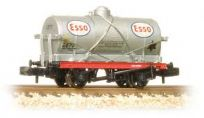 Graham Farish 373-681 14 Ton Tank Wagon with Large Filler ESSO